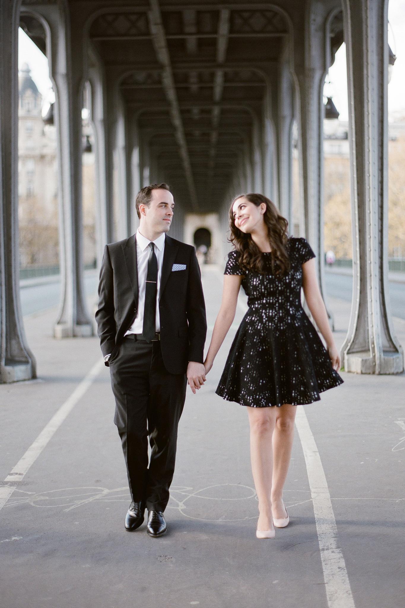 Eva and Jon under the Bir Hakeim bridge
