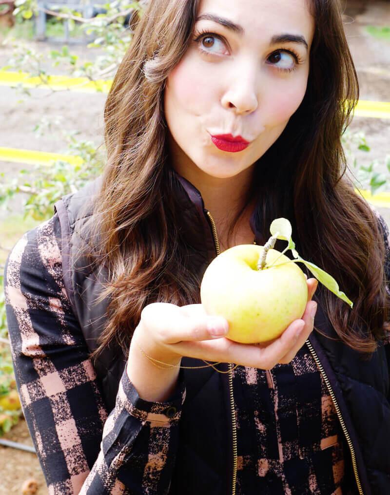 She's So Bright - Eva kissing an apple