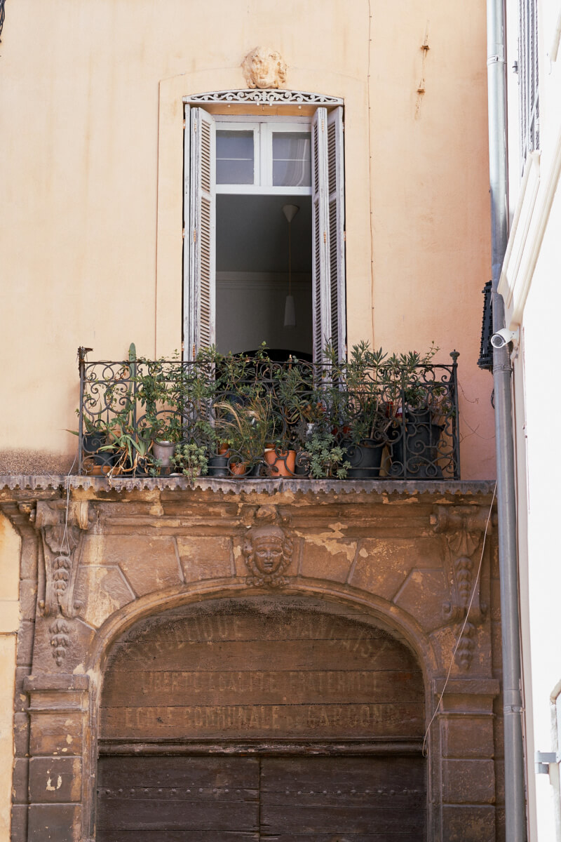 She's So Bright - The Pastel Beauty of Aix-en-Provence