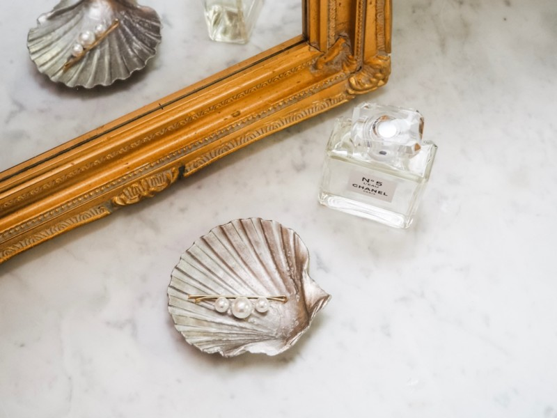 A Jewel of a Vintage Shop - She's So Bright, Mission et Made, Etsy, Vintage, Shop, Chic, French, Pink, Decor, Inspiration, Seashell, Silver