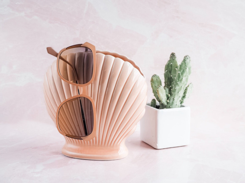 A Jewel of a Vintage Shop - She's So Bright, Mission et Made, Etsy, Vintage, Shop, Chic, French, Pink, Decor, Inspiration, Clam Vase